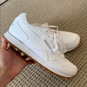 Reebok classic leather white shoes